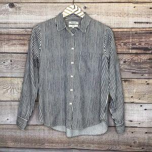 Madewell Ex Boyfriend Shrunken Shirt Button Front
